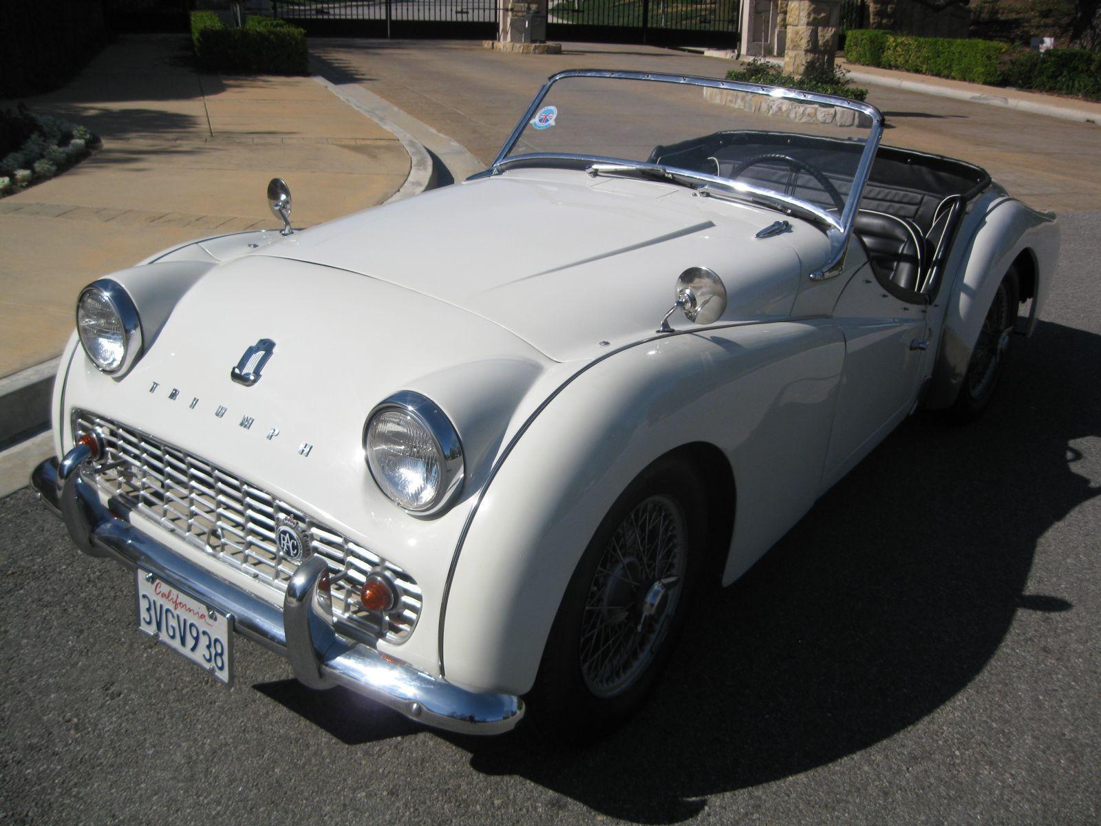 VOTRE CLASSIC CAR TRIUMPH TR3 1960 AVEC BRETAGNE ROADSTER